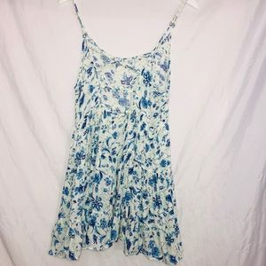 Altair'd State White Floral Dress Size Medium